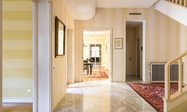 HOME AT HOTEL MONTE ROSA, MILANO